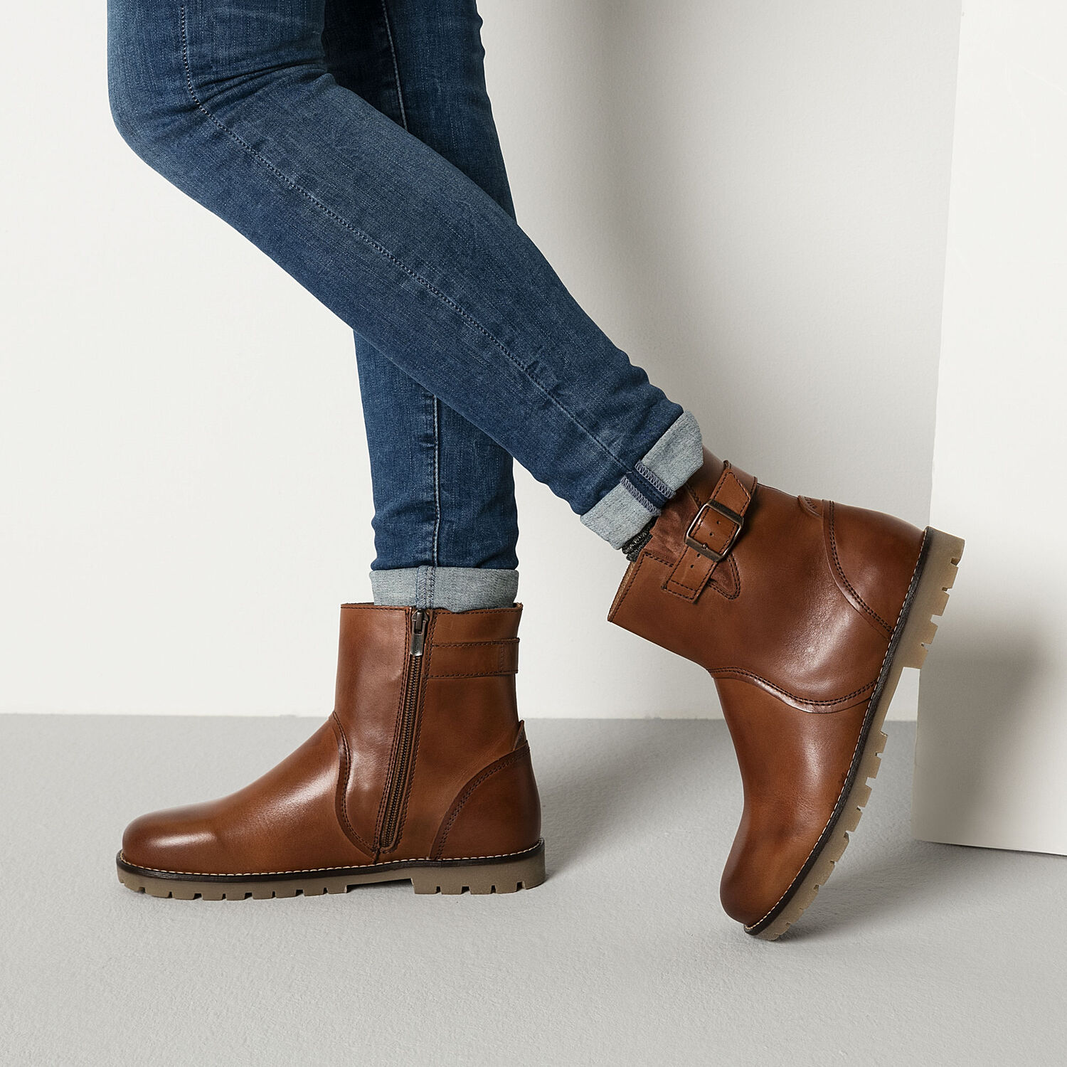 Stowe Natural Leather