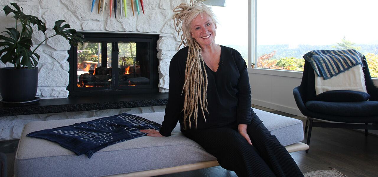 Rachel Marshall in restaurant