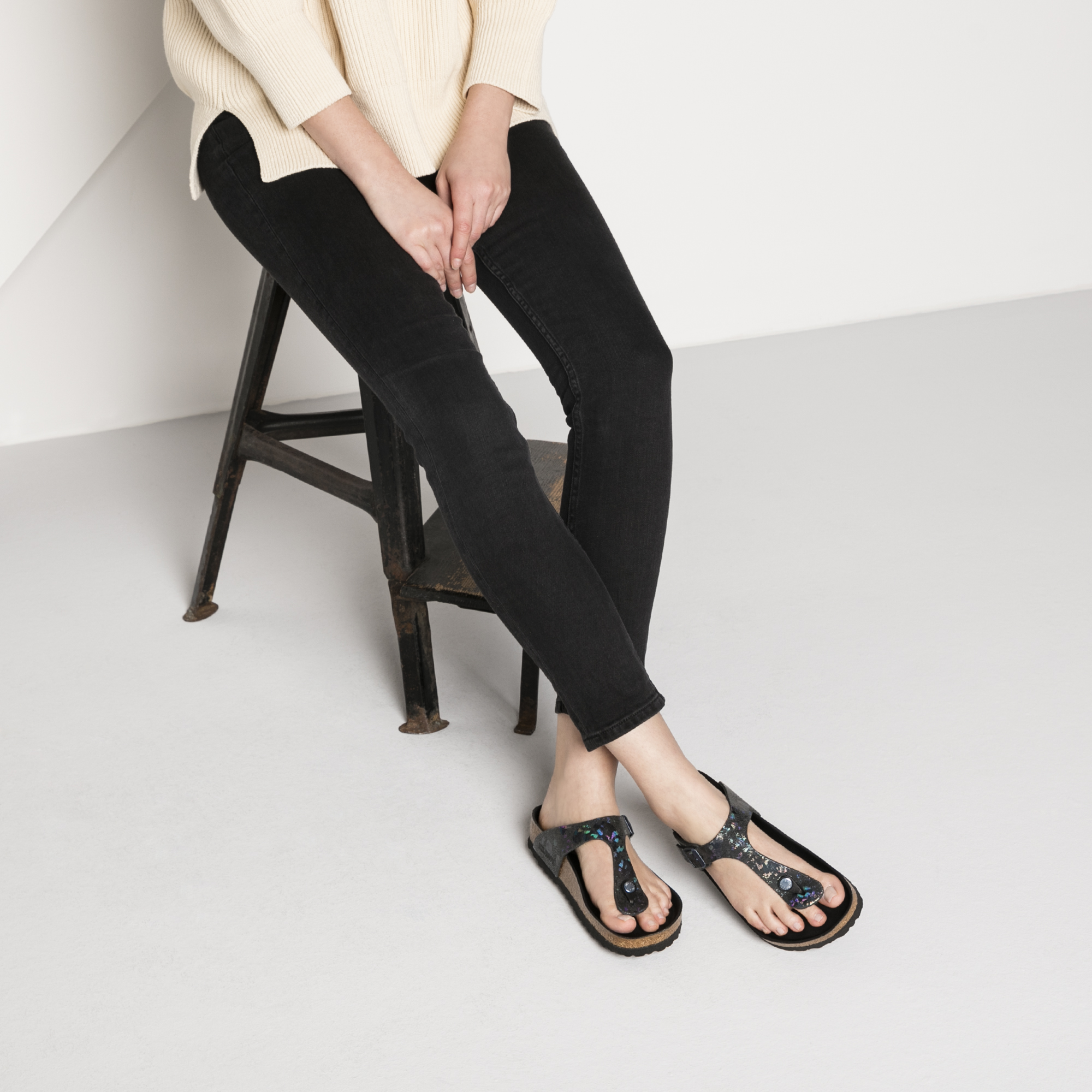 Gizeh Natural Leather Spotted Metallic Black