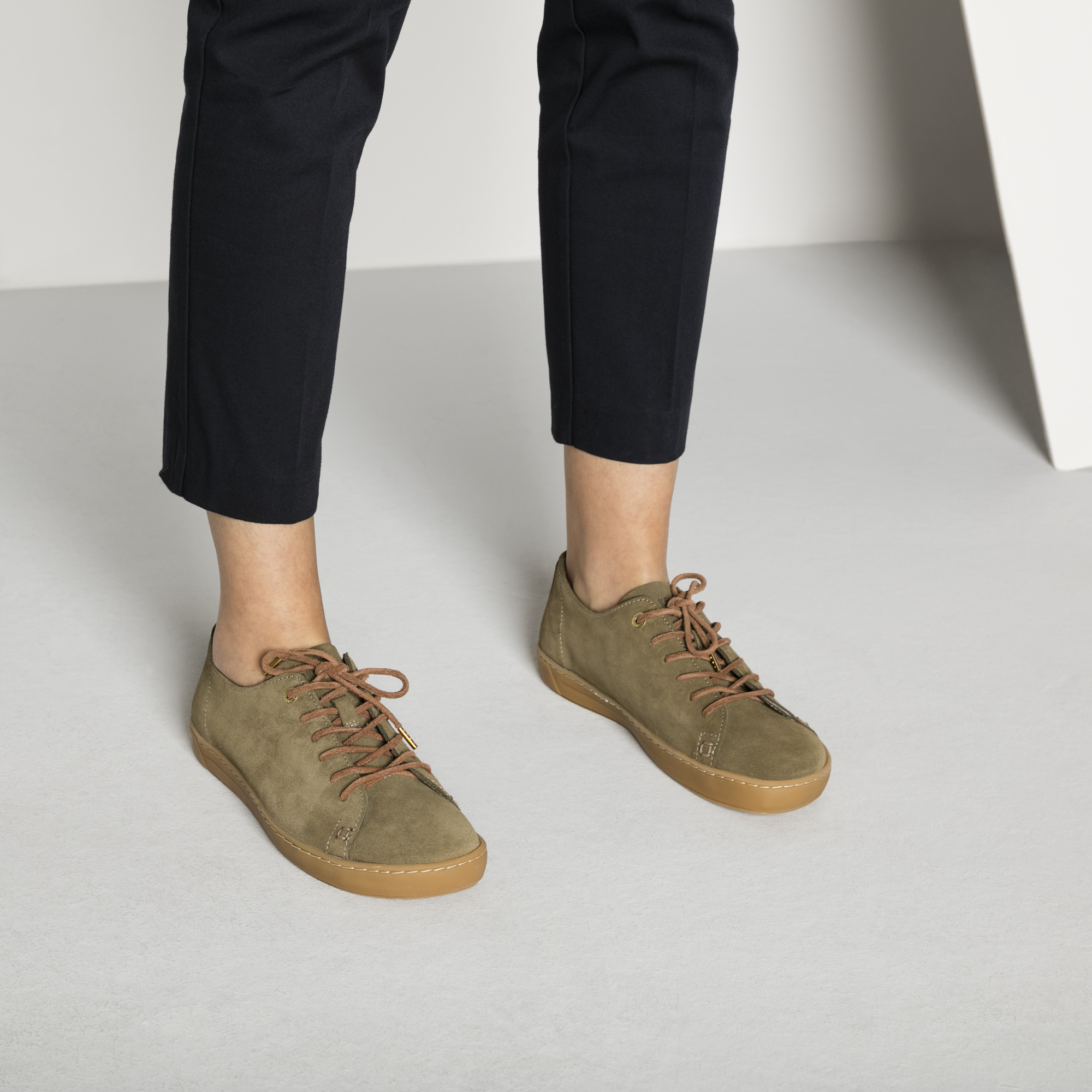 Arran Suede Leather Khaki