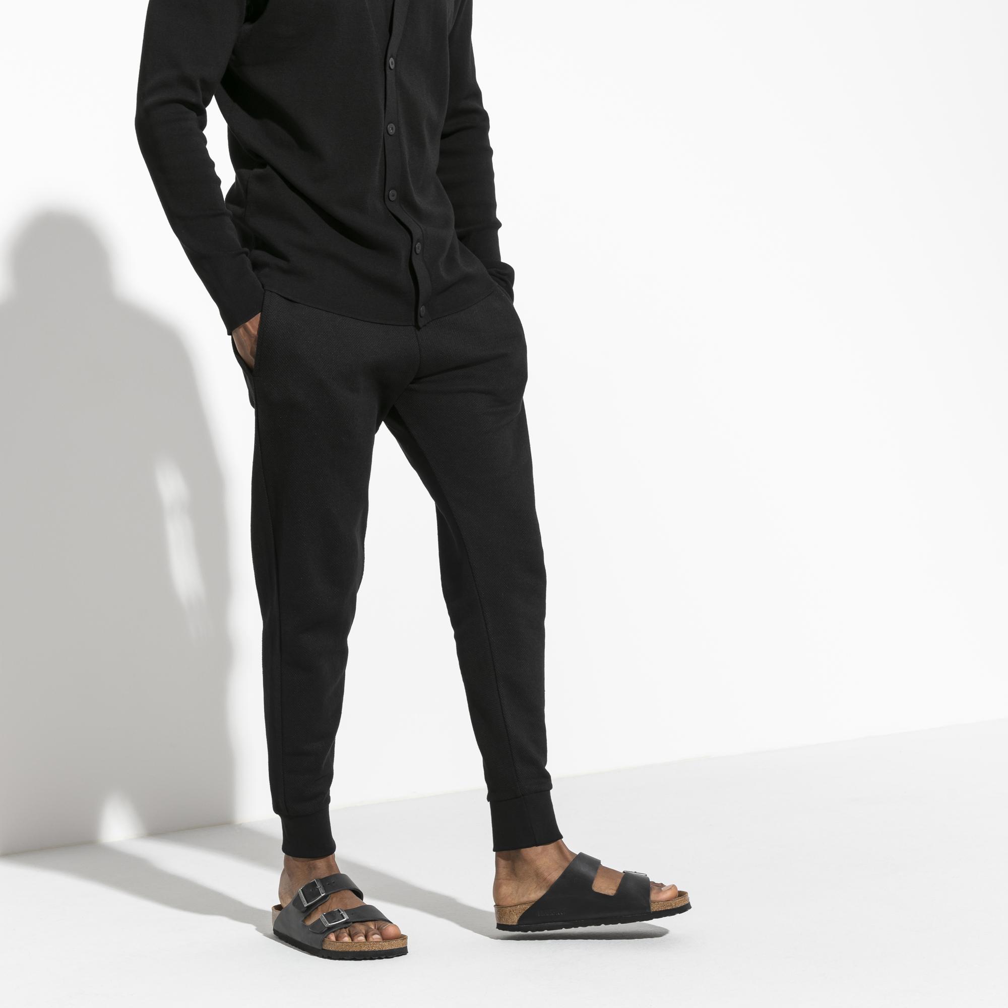 455d17f572ea Arizona Oiled Leather Black | shop online at BIRKENSTOCK
